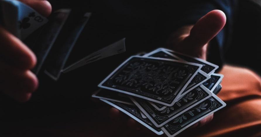 """""""Bluff in Poker"""" pradedančiųjų vadovas"""
