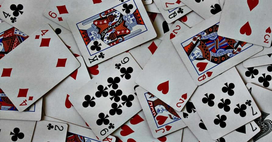 """Kaip Edas Thorpas pakeitė kortelių skaičiavimą internetiniame """"Blackjack"""""""